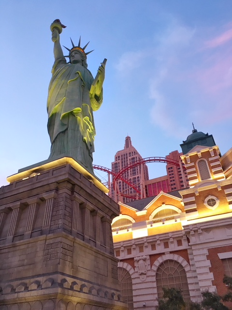 Statua della Libertà e Roller Coaster