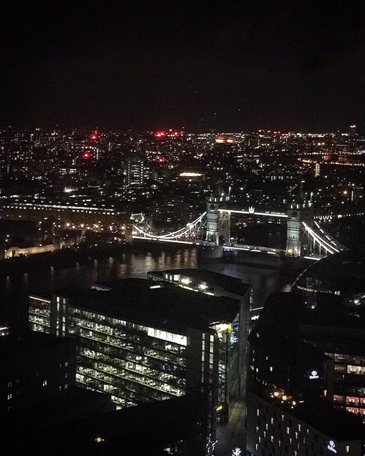 Vista sul London Bridge dall'Oblix at The Shard