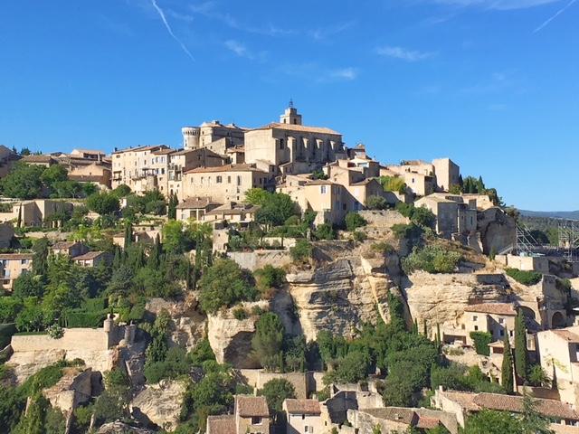Vista panoramica sul borgo provenzale di Gordes