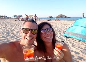 aperitivo in spiaggia su giudeu chia