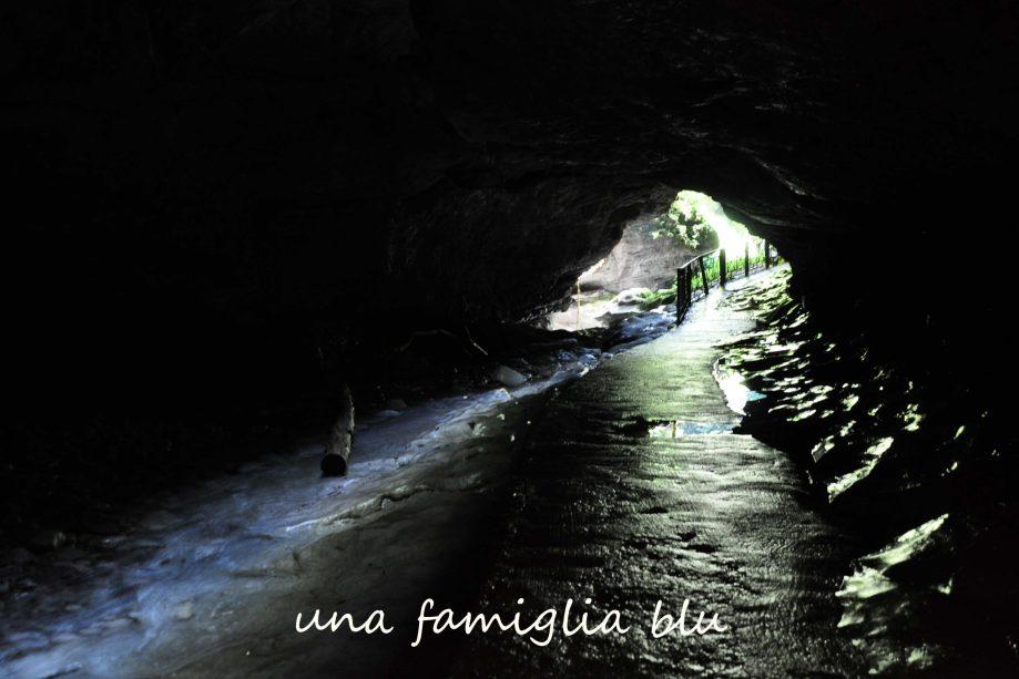 visitare le grotte di pradis