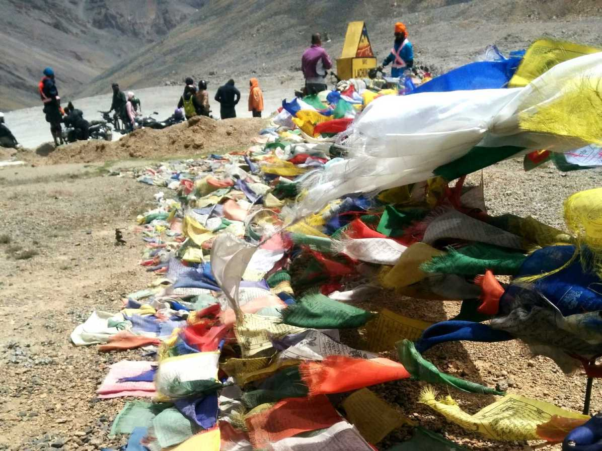 What is the summit like when cycling from Manali to Leh?