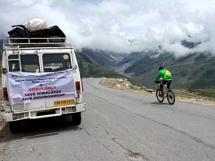 What are the safety tips to cycle from Manali to Leh?