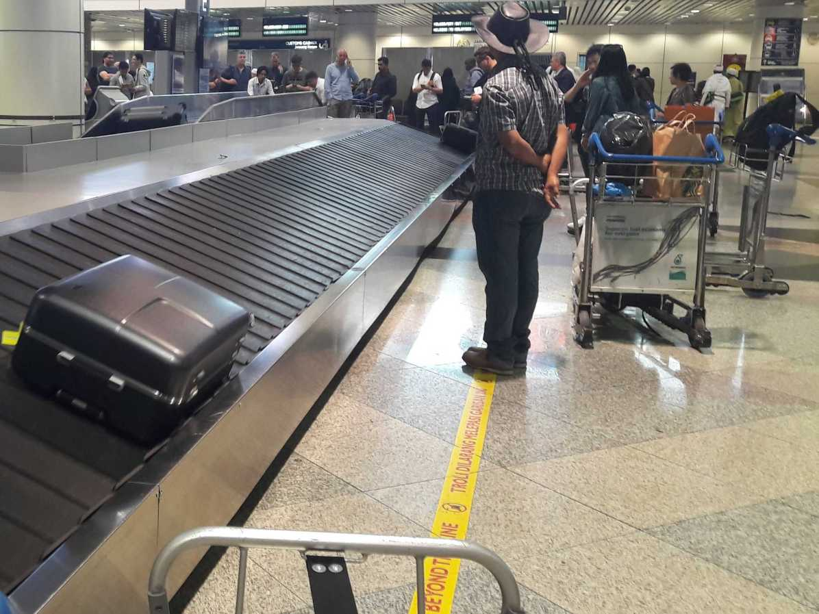 How to avoid waiting at baggage carousel?