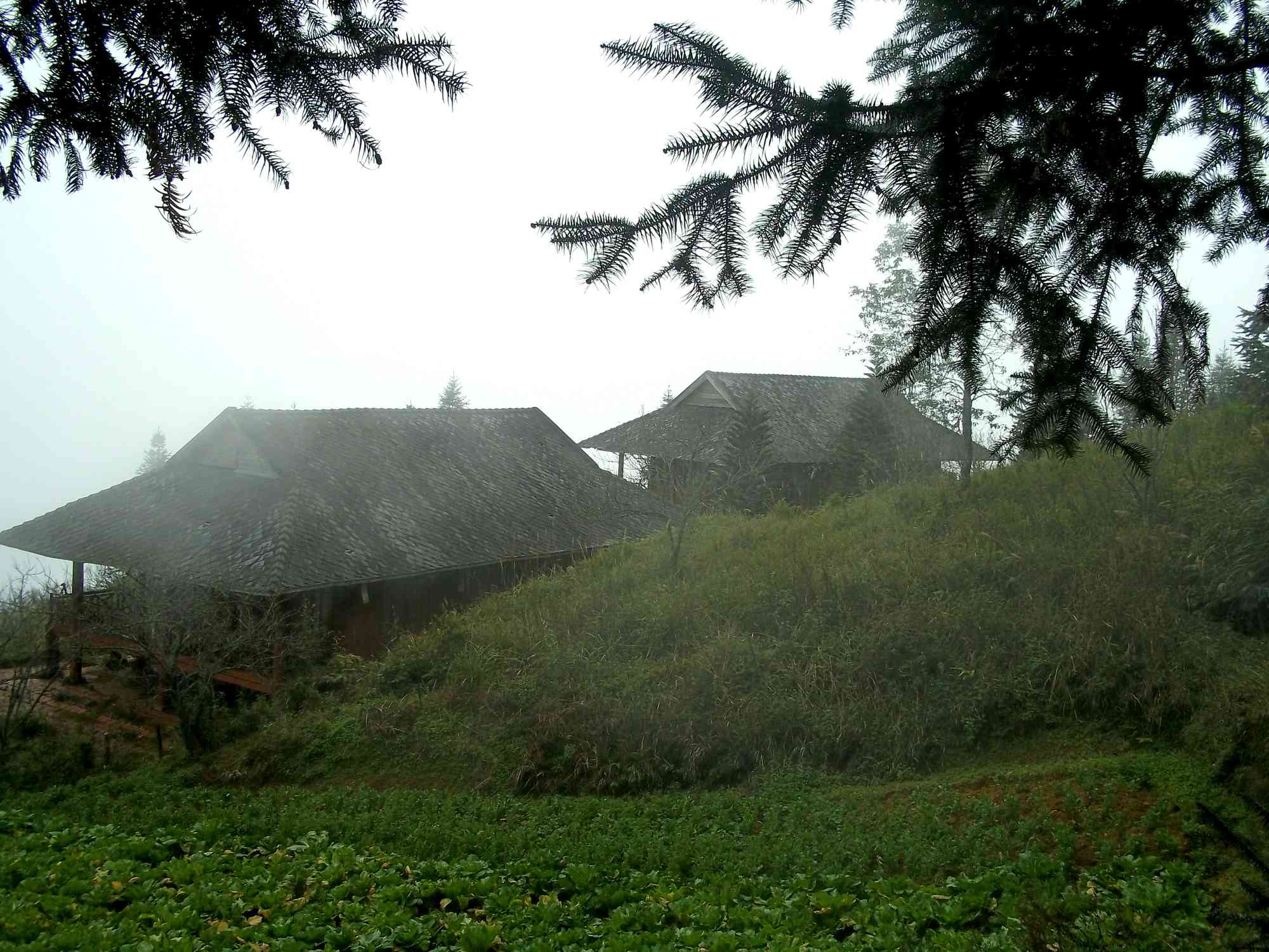 What are the places to stay in Sapa, north Vietnam?