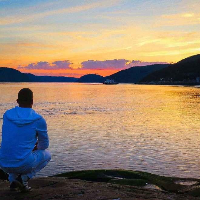 Coucher de soleil sur Tadoussac au Québec  - Mon Histoire