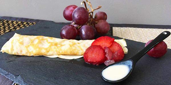 crepes-caseras-con-uvas-y-fresas