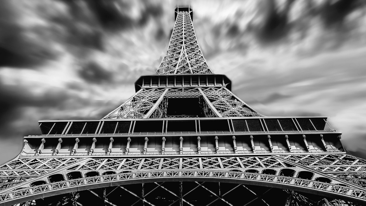 La Mano a Parigi