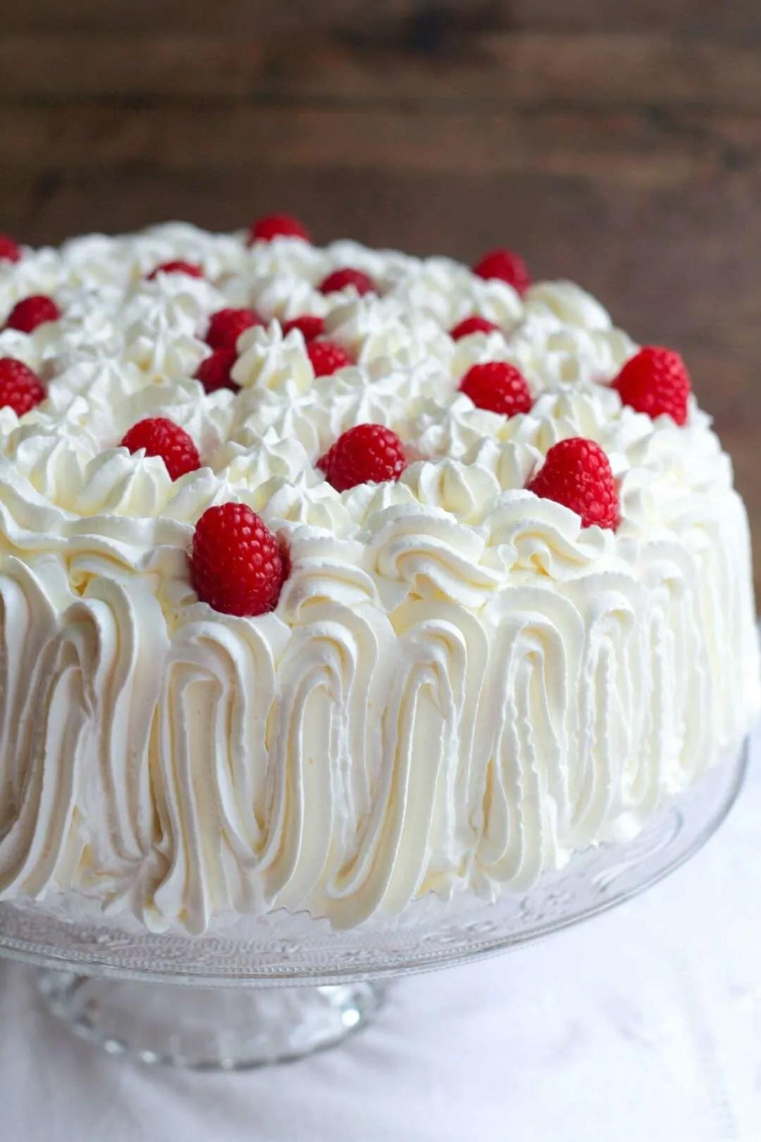 torta farcita con frutti rossi
