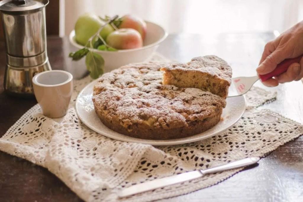 la ricetta della torta di mele con streusel alla cannella