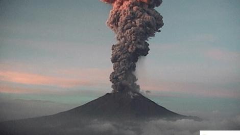 Popocatépetl-fumarola-entre-4-y-5-km-UNAMGlobal