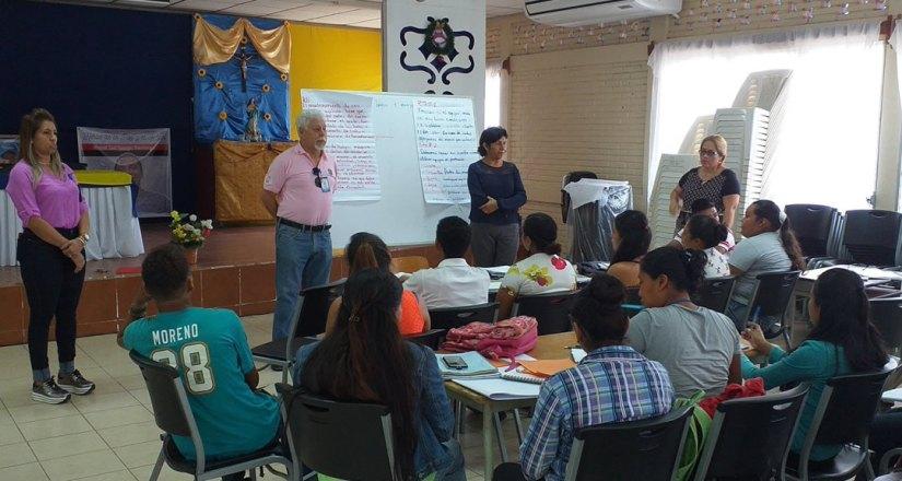 Autoridades de la UNAN-Managua visitaron a estudiantes de las carreras de Turismo Sostenible en Miraflor y de Desarrollo Rural Sostenible en la comunidad El Limón, Jalapa.