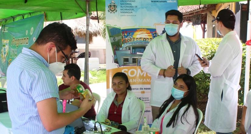 Universitarios pasticipan en festival de hortalizas