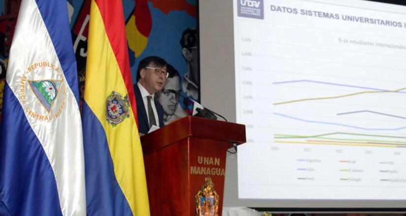 Académico argentino dicta la lección inaugural en la UNAN-Managua