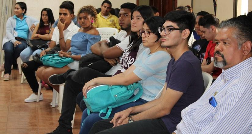 Estudiantes de Ciencias Políticas y Relaciones Internacionales