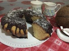 Ciambella con Glassa al Cioccolato