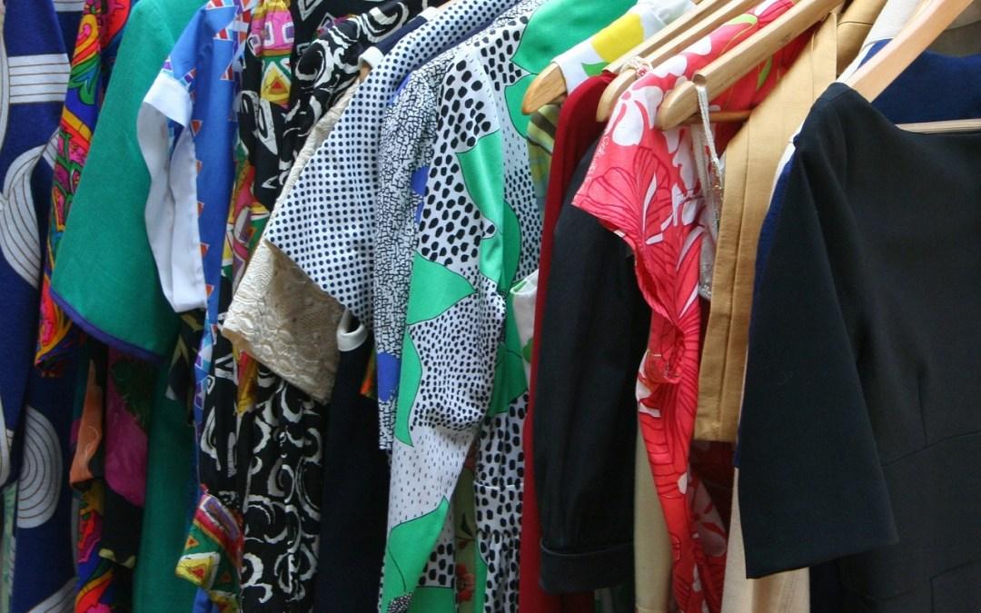 """Come avere un armadio semplice e sostenibile dando una seconda vita ai tuoi """"vecchi abiti"""""""