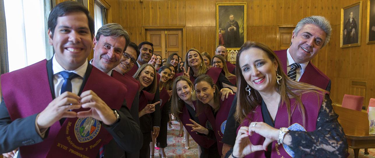 Documentación oficial del Máster Universitario en Matrimonio y Familia. - Universidad de Navarra