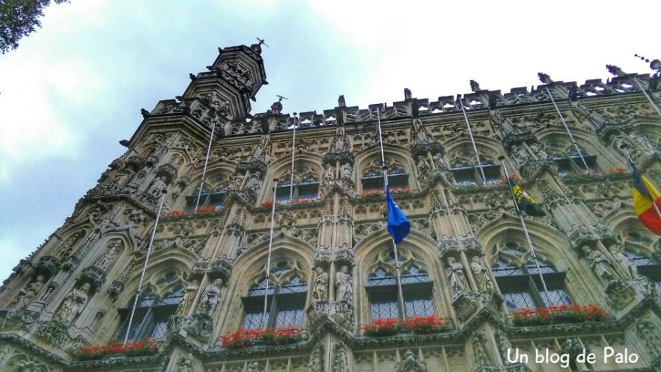 Ayuntamiento de Lovaina, fachada