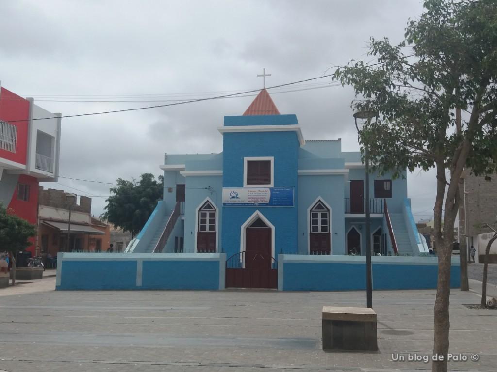Iglesia Azul en Espargos