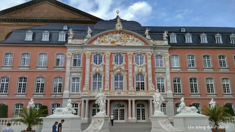 Palacio del Príncipe Elector desde los jardines