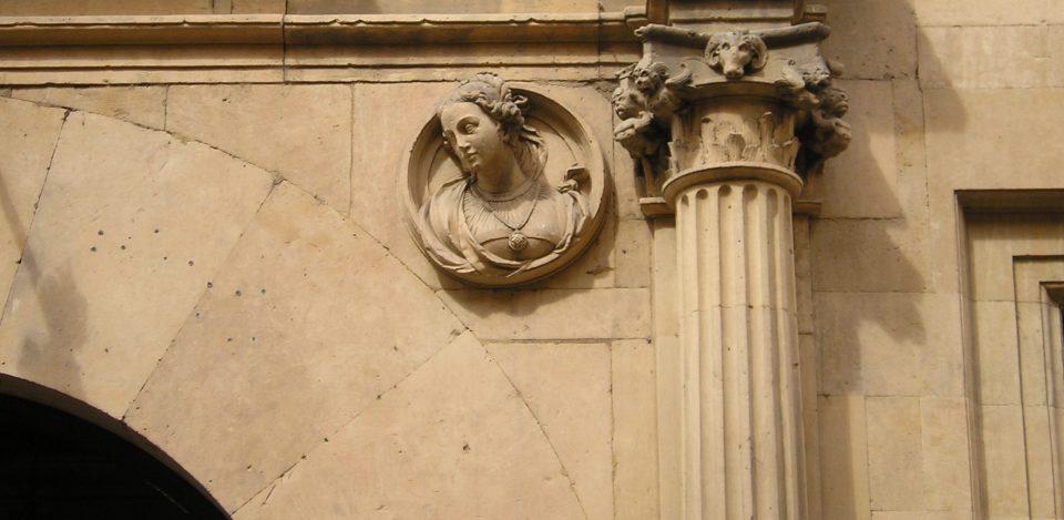 Dama salmantina en el palacio Figueroa