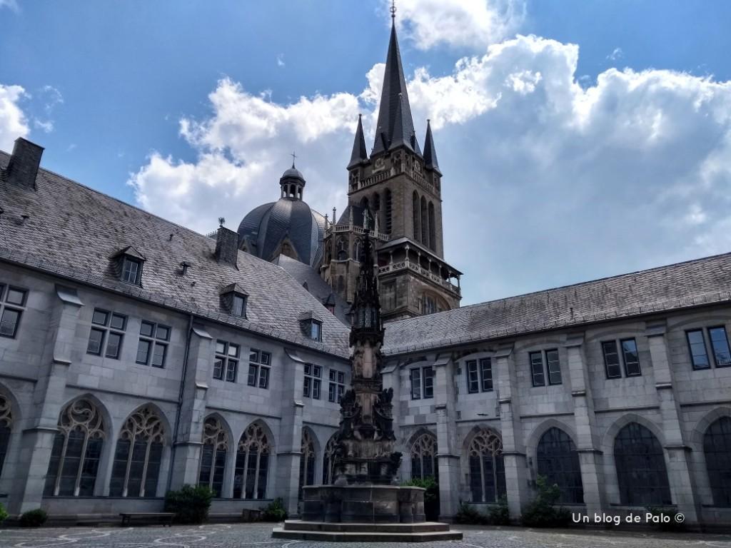 Vistas de la torre de la Catedral de Aquisgran