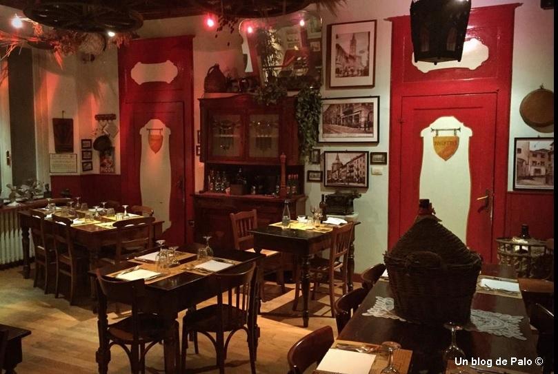 Interior de Il Cupolone en Pavía