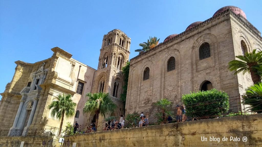 Exterior de la Iglesia de San Cataldo y de la Torre de la Iglesia de la Martorana
