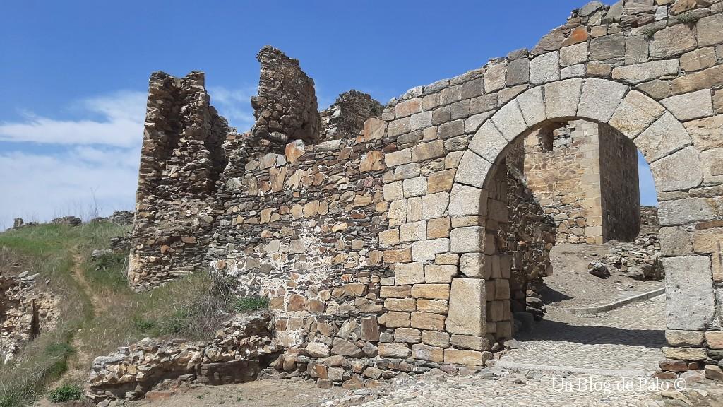 Puerta de entrada a Salvatierra de Tormes