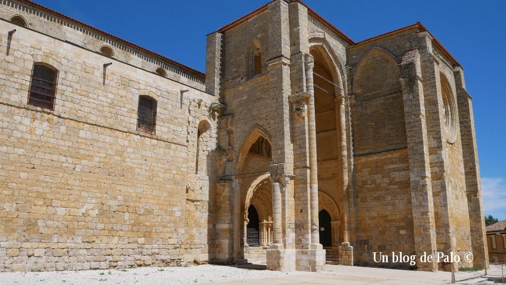 Exterior de la iglesia de Villalcázar