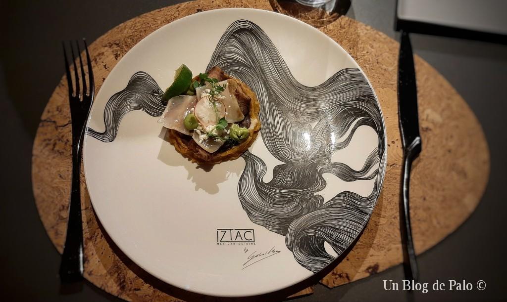 Uno de los platos de Iztac y su preciosa vajilla