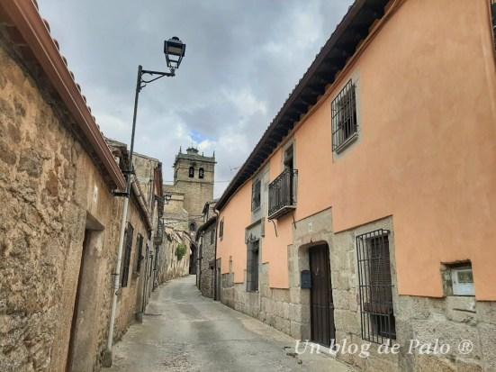 Calles de Ledesma e iglesia al fondo