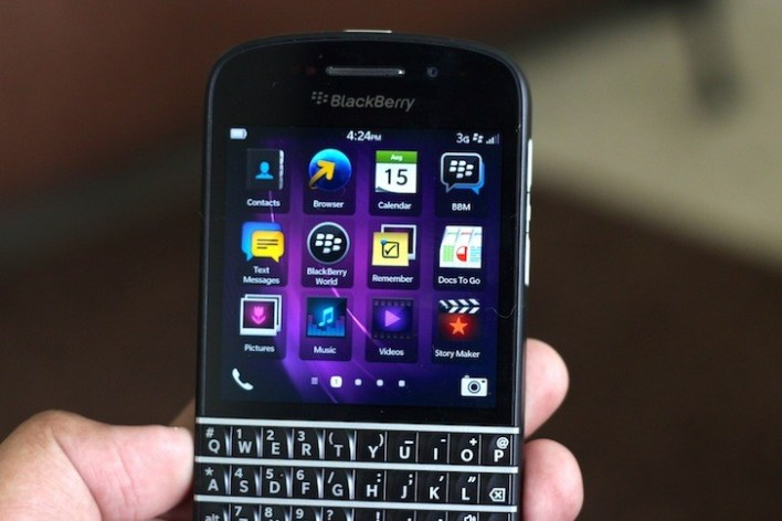 Unboxing the BlackBerry Q10