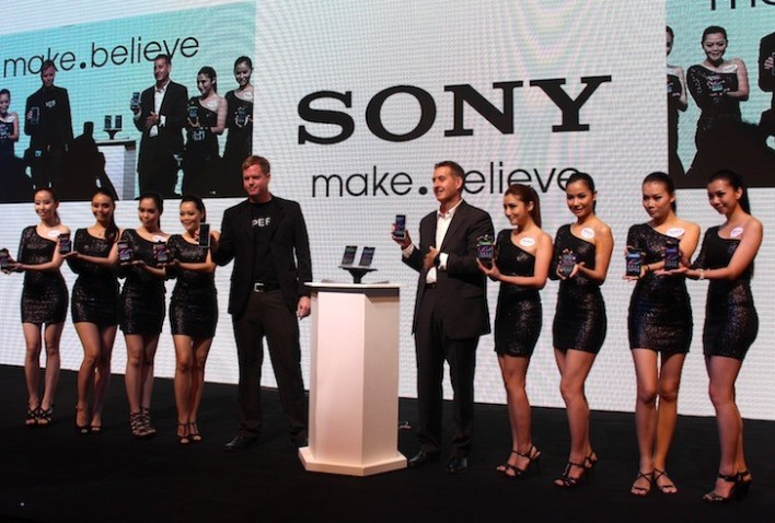 Jason and Matthew with the Sony Xperia Malaysia Brand Ambassadors