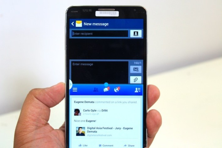 SMS a the top, Facebook at the bottom. Multi-Window FTW!