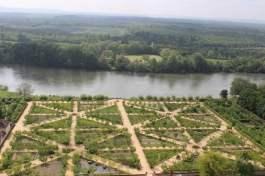 vue potager chateau de la Roche-Ruyon