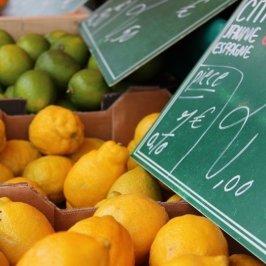 citons verts et jaunes du marché