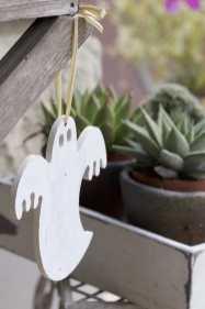 Un fantome en bois pour Halloween