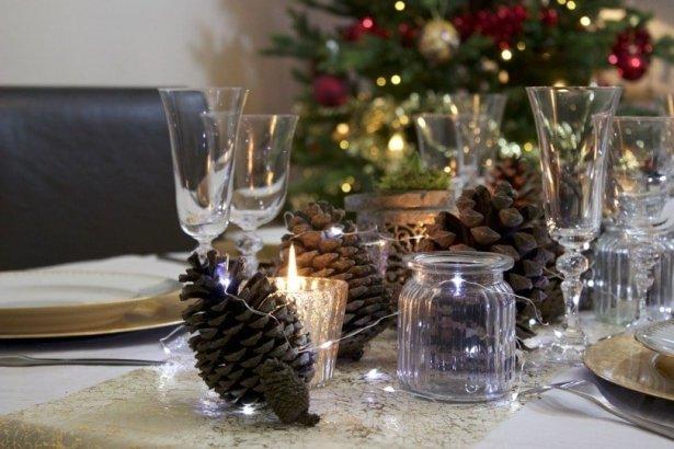 Table de fêtes en préparation