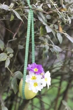 DIY Suspention de Pâques avec une coquille d'oeuf