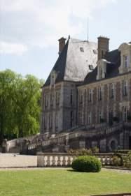 Escalier en fer à cheval du château de Courances