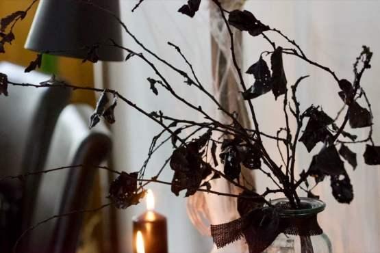 Branches de prunus pour réaliser un bouquet d'Halloween