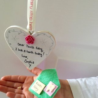 Tooth fairy sign and envelope