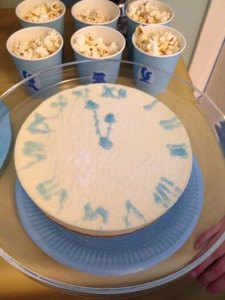 Cinderella treat dessert table. Vanilla cheesecake decorated with a blue icing tube