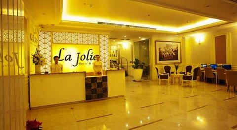 La-Jolie-Hotel-Spa-Lobby-1-DEF