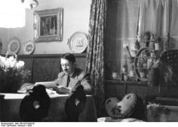 hitler reading in haus wachenfeld, evening