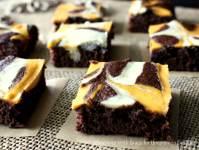 Pumpkin Cheesecake Swirled Brownies - Uncommon Designs