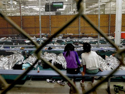 immigrant children in detention