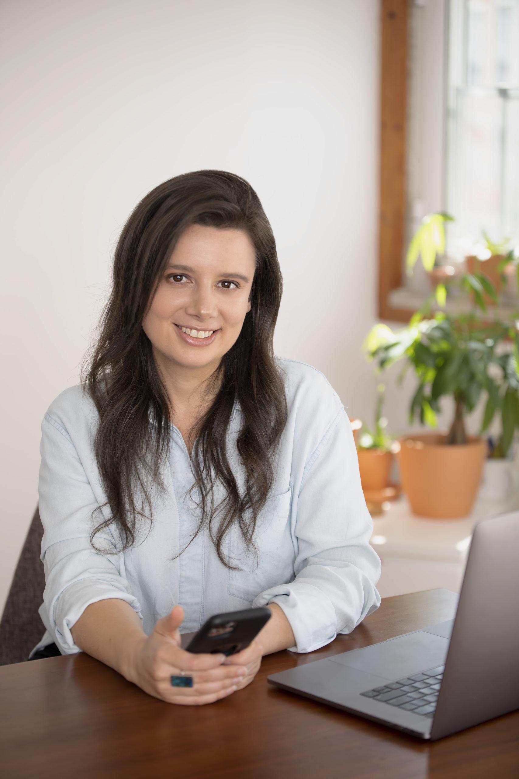Ep292: Building an International Community with Panion Founder Melanie Aronson